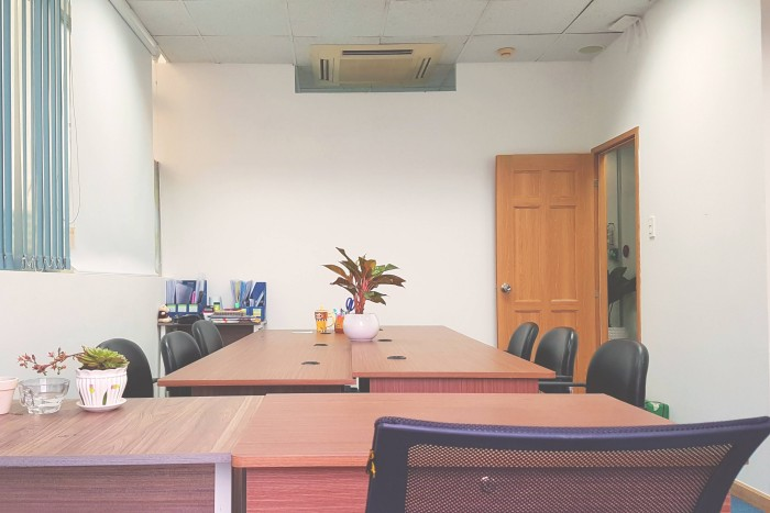 Cho thuê văn phòng 20m2 và 40m2 tại mặt phố Yên Lãng Đống Đa Hà Nội Việt Nam