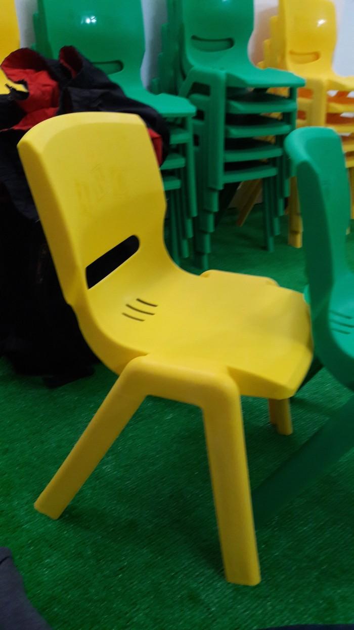 Ghế nhựa đúc cao cấp dành cho các bé tại các trường mầm non3