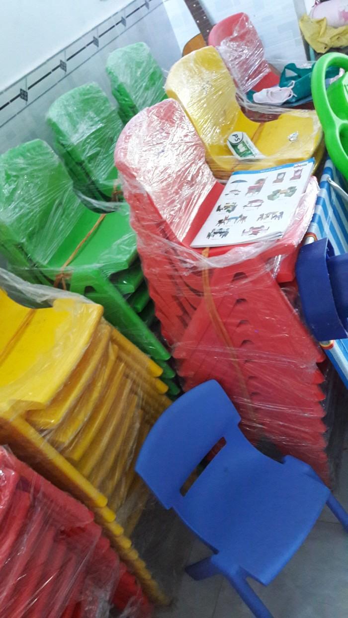 Ghế nhựa đúc cao cấp dành cho các bé tại các trường mầm non0