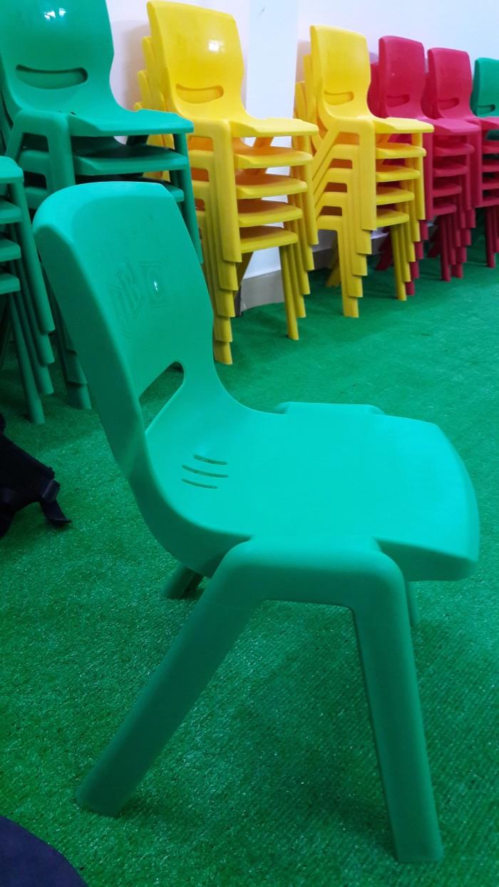 Ghế nhựa đúc cao cấp dành cho các bé tại các trường mầm non2