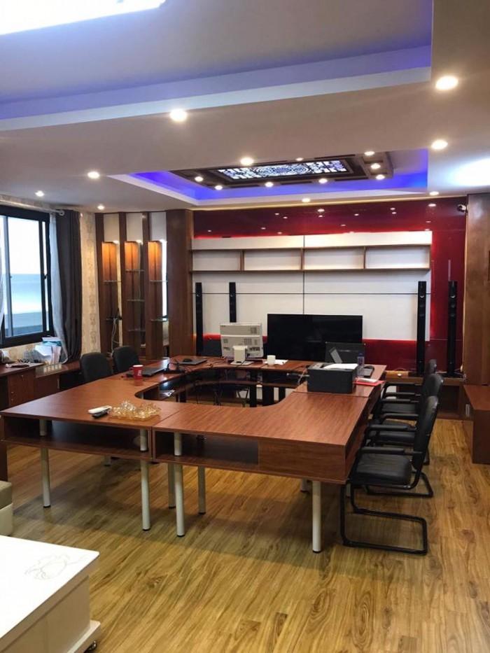 Nhà mặt ngõ Lô góc Đường Láng 90m x MT 11.2m, Kinh Doanh