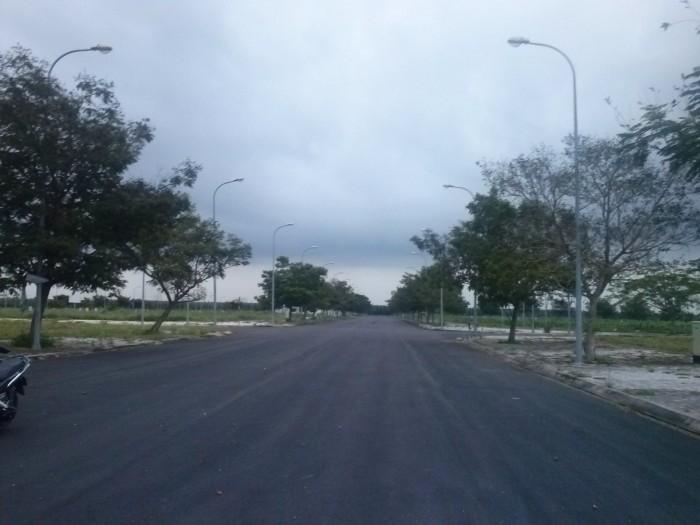 Đất nền KĐT Cát Lái, Q2 thổ cư 100%, MT đường rộng 30m