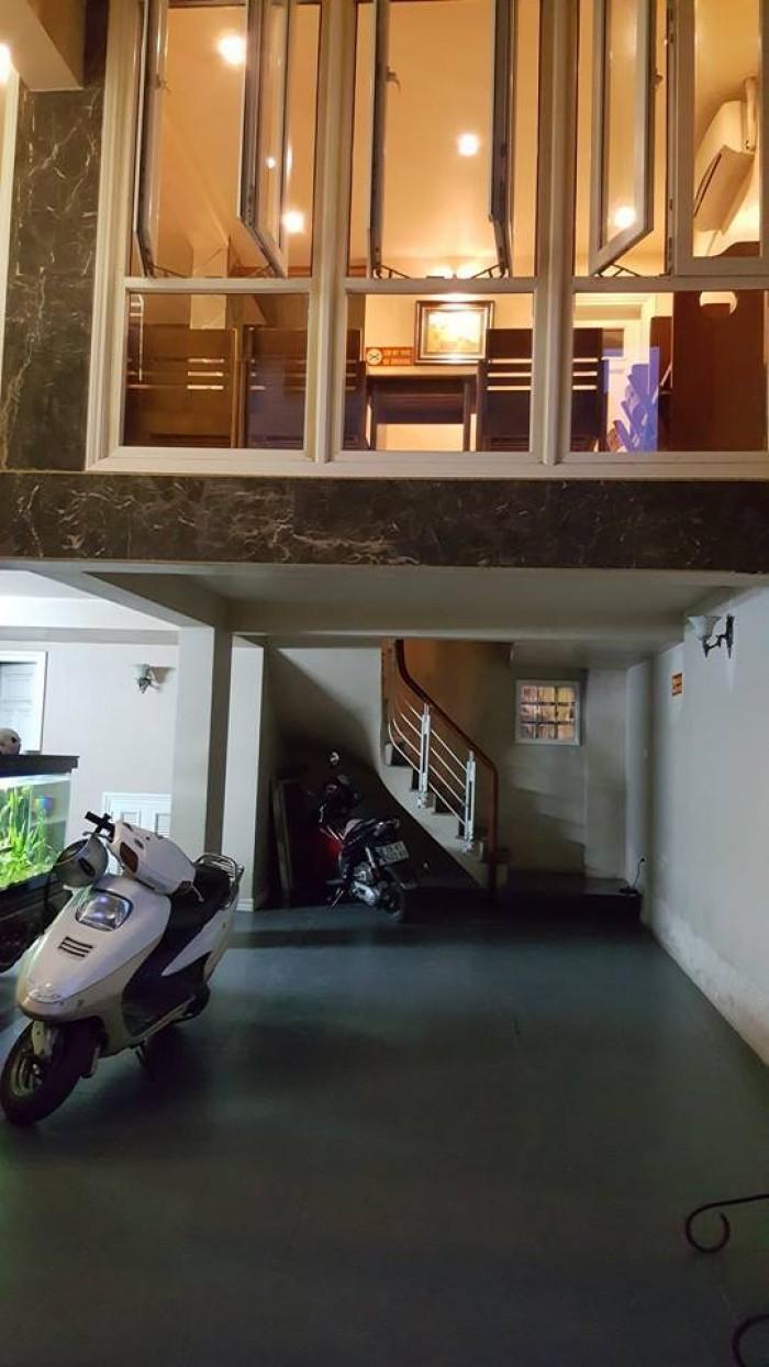 Nhỉnh có nhà 60m2, 7 tầng, thang máy Nhật, quận Tây Hồ