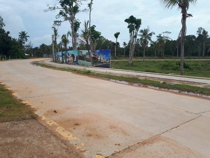 Bán đất Cây Thông Ngoài Xã Cửa Dương Huyên Phú Quốc 360tr/nền,diện tích 108m2