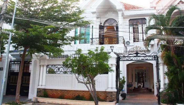 Bán gấp biệt thự mini Phổ Quang, 1 trệt 4 lầu, 90 m2, 8,6 tỷ.