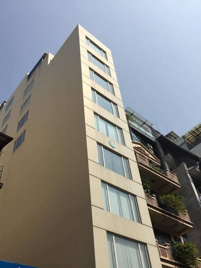 Bán nhà mặt phố Phó Đức Chính Ba Đình, 131m2 12 tầng mặt tiền 4,5m 39 tỷ