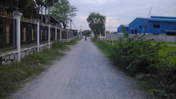 Bán 1600m2 đất đã chuyển công năng làm kho xưởng đường xe công
