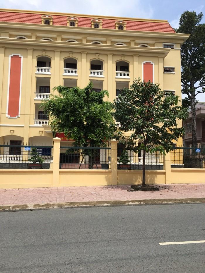 Mặt tiền đường Nguyễn Du -phố nướng Trấn Biên