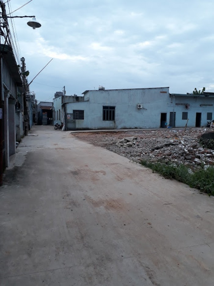 Bán gấp lô đất ngay KCN Tam Phước, cách QL 51 chỉ 100m. DT 100m2