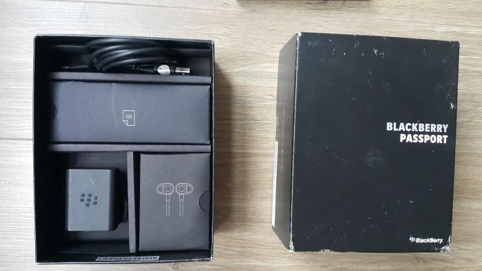 Không dùng nên bán Blackberry Passport rất mới và full box1