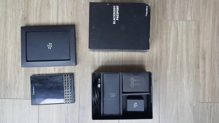 Không dùng nên bán Blackberry Passport rất mới và full box2