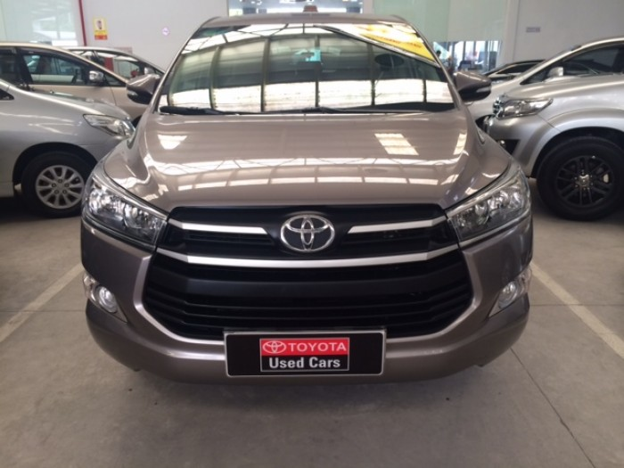 Toyota Innova E - Màu Đồng - 2017 6