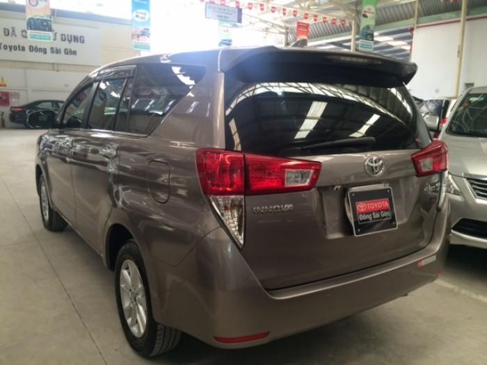 Toyota Innova E - Màu Đồng - 2017