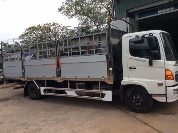 Xe Hino 6t4 chở dừa, gạch, vật liệu xây dựng 2