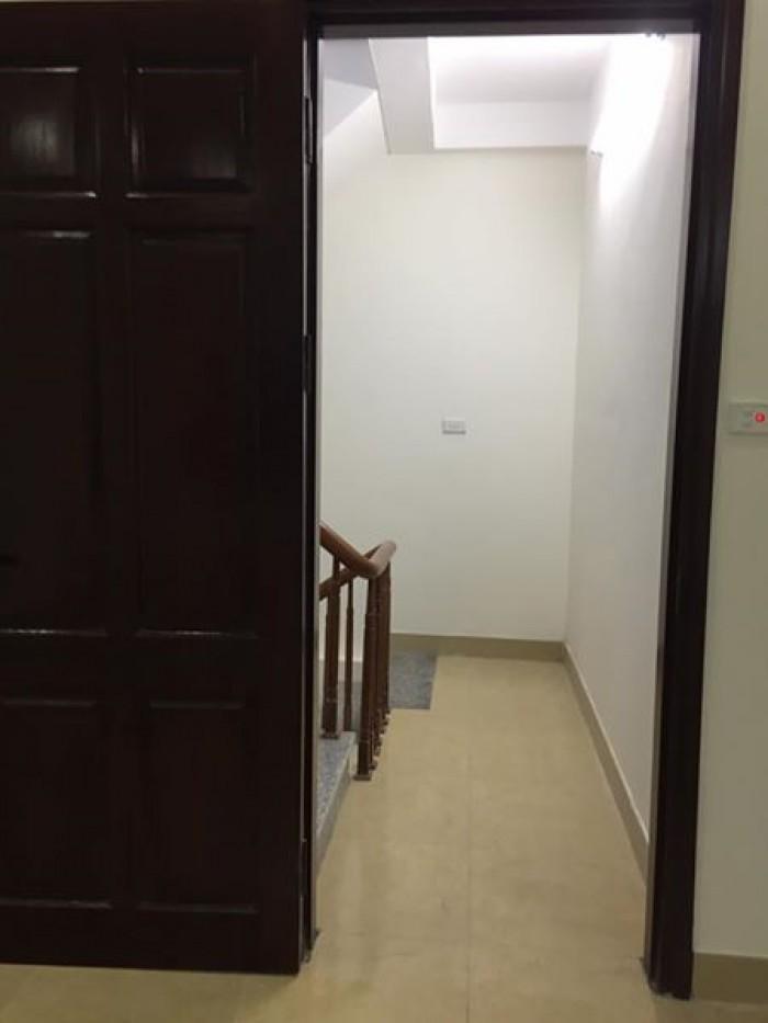 Bán nhà mặt ngõ Trần Phú, Hà Đông, HN.5 tầng. 3 ngủ. 1 bếp. 3wc, mới 100%.