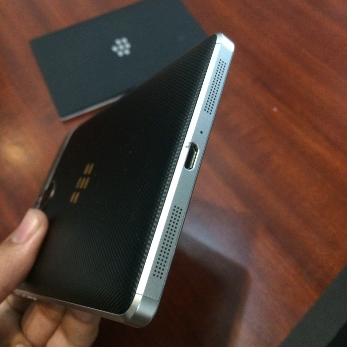 Blackberry Passport Silver - LikeNew0