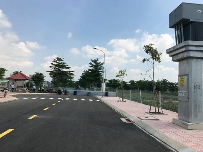 Bán gấp 4 lô đất diện tích lớn MT đường Lê Văn Thịnh quận 2 khu dân trí cao