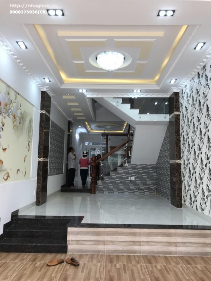 Cần bán nhà đẹp  mặt tiền 16m đường Phú Thuận,Q7, thiết kế theo phong cách Châu Âu, Dt 4x20m.