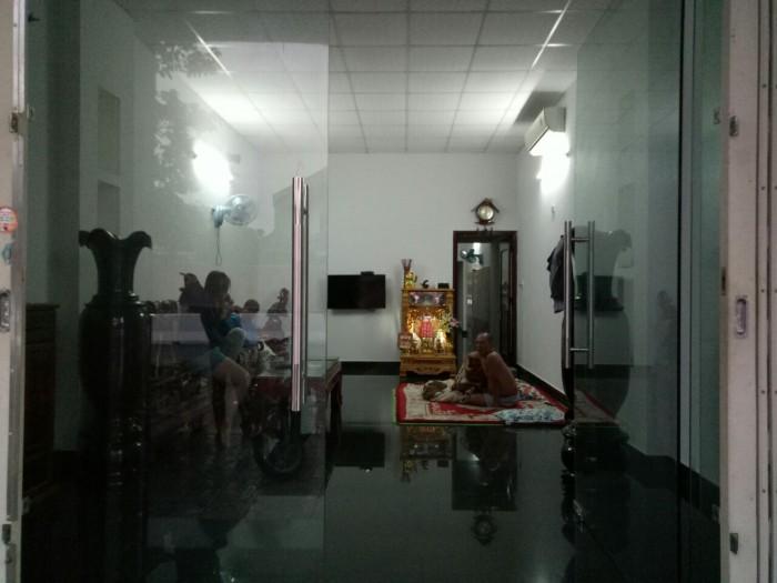 Cần Bán Nhà Mặt Tiền Đường Hoàng Văn Thái,Dt 112m2