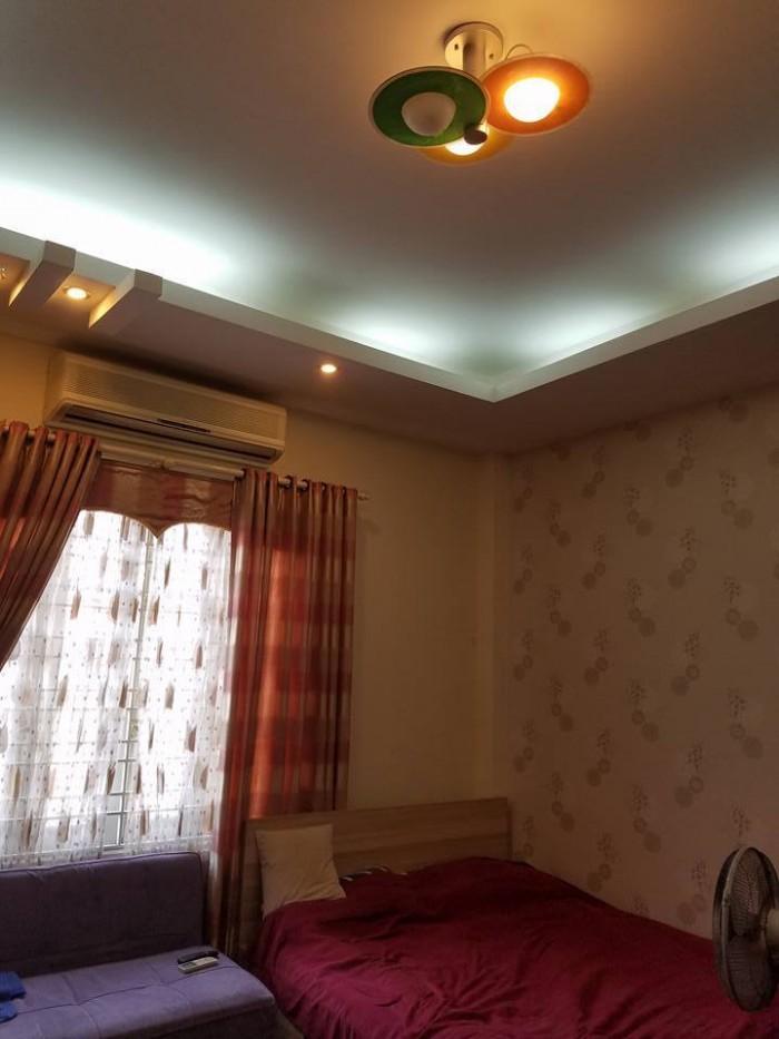 Bán tòa khách sạn 9 tầng phố Chân Cầm quận Hoàn Kiếm 121m2