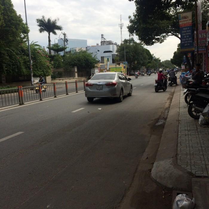 Bán nhà mặt tiền đường Phan Văn Trị, phường 10, quận Gò Vấp, 5,8 x 27,9m, 1 Trệt +2  Lầu, giá 17 tỷ
