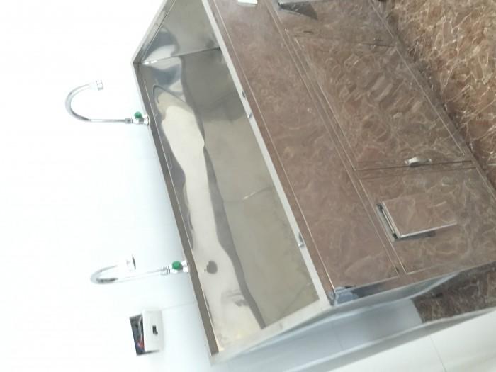 Chuyên sản xuất bồn rửa tay vô trùng tự động giá rẻ2