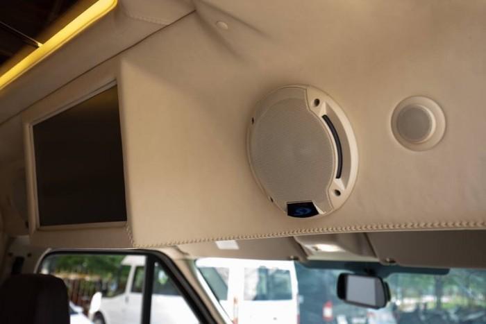 Bán Xe Ford Transit Limousine 2017 Kèm Nhiều Quà Tặng Hấp Dẫn 14