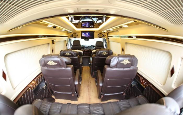 Bán Xe Ford Transit Limousine 2017 Kèm Nhiều Quà Tặng Hấp Dẫn 2