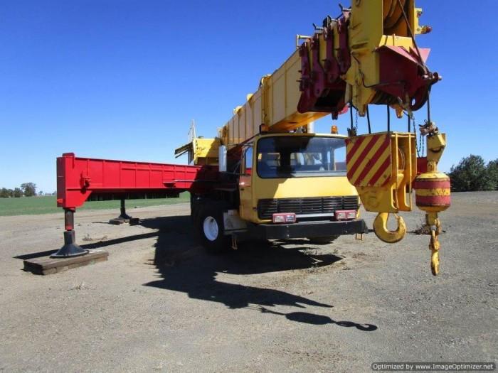 xe cẩu cũ nhập từ Úc PPM C1180- 127 tấn-2 tời 2