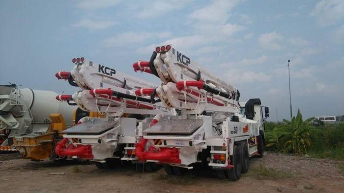 xe bơm bê tông KCP cần 28m-55m mới 100% 3