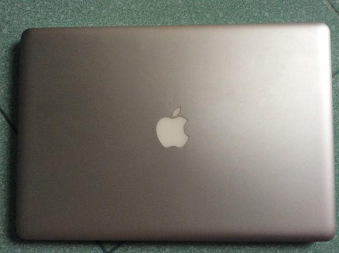 Macbook Pro 2011 / 15.4 inch / core i7 /500gb /8gb0