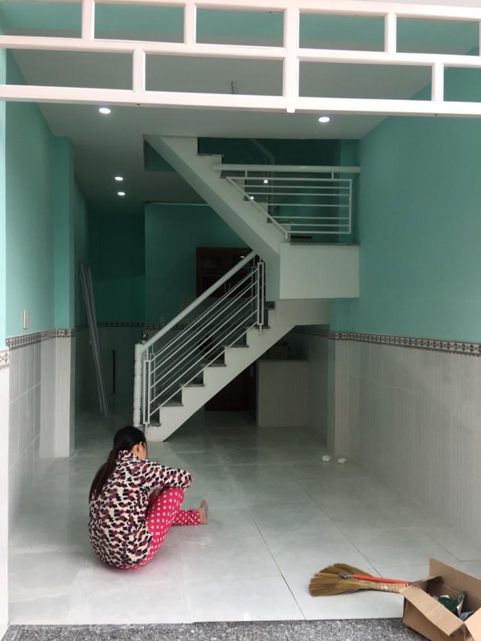 Bán 3 căn nhà mới xây, ở ngay UBND phường Thạnh Xuân quận 12.