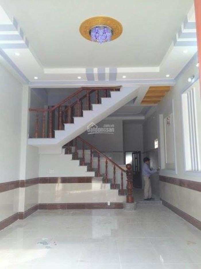 Cho thuê nhà mặt phố Trần Nhân Tông, DT60m2, 1.5 tầng.