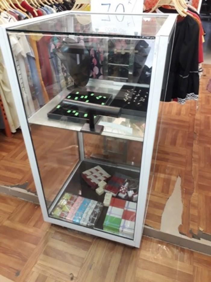 Thanh lý tủ kính trưng bày gấp tại Nguyễn Văn Trỗi, Mộ Lao, Hà Đông, Hà Nội2