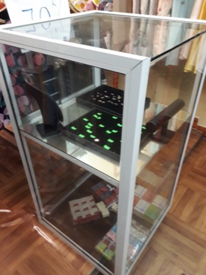 Thanh lý tủ kính trưng bày gấp tại Nguyễn Văn Trỗi, Mộ Lao, Hà Đông, Hà Nội1