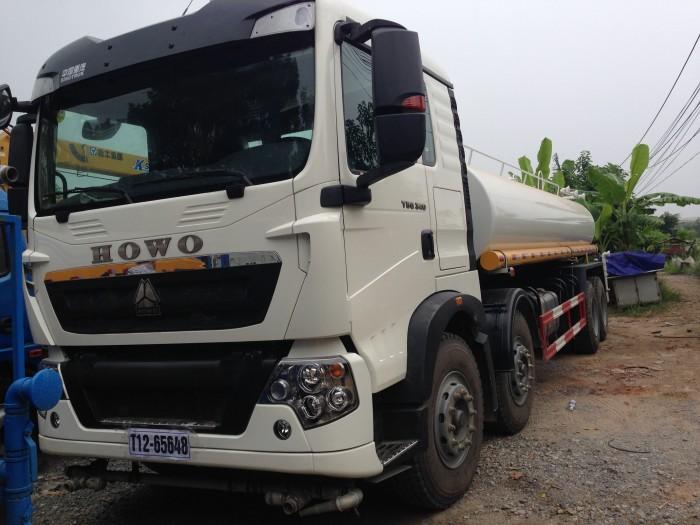 xe phun nước rửa đường 17m3 HOWO