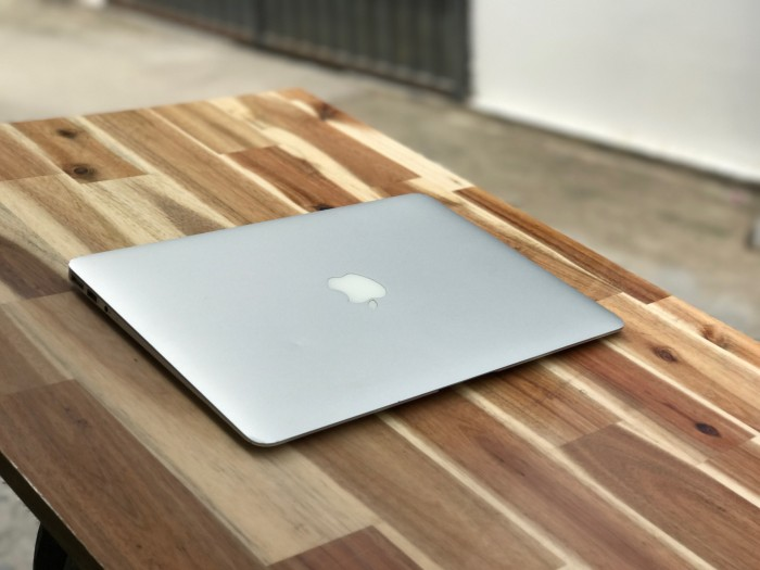 Macbook Air 2012 13,3in, i5 4G SSD128 Đẹp zin 100% Giá rẻ6