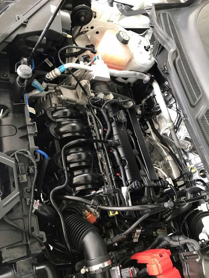 Bán Ford Ecosport sx 2015 màu trắng