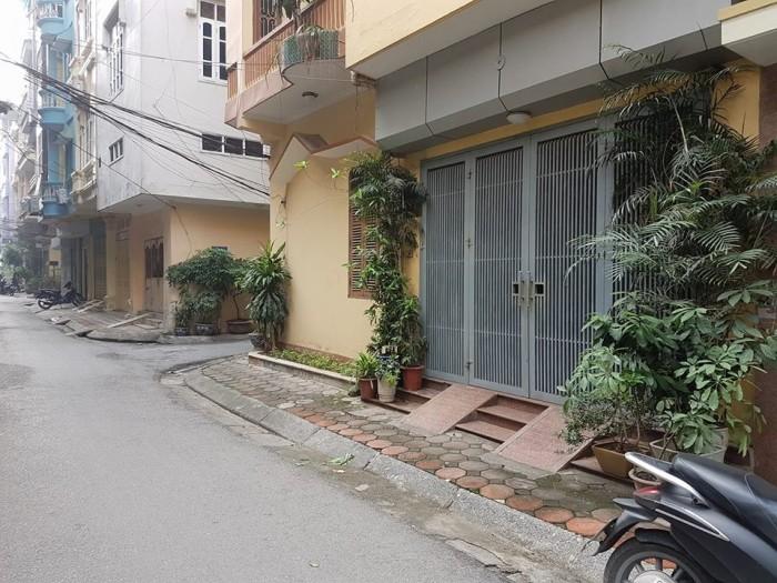Bán Nhà Phân Lô Huỳnh Thúc Kháng Ô Tô Đỗ Cửa 38m2x5t, Mt 4.2m