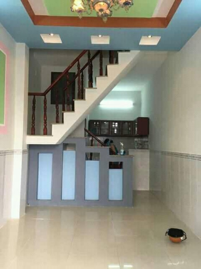 Nhà phố 3.2x12m,2 lầu,sau chợ đầu mối Hóc Môn