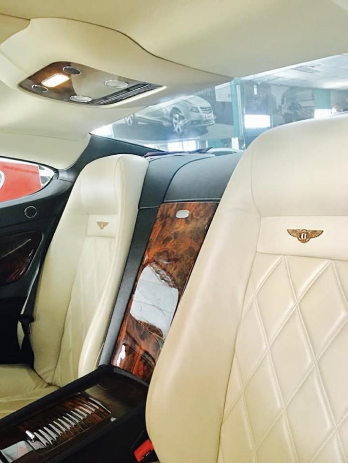 Siêu xe Bentley Continental GT Sport V12 tự động màu trắng đỏ nhập khẩu