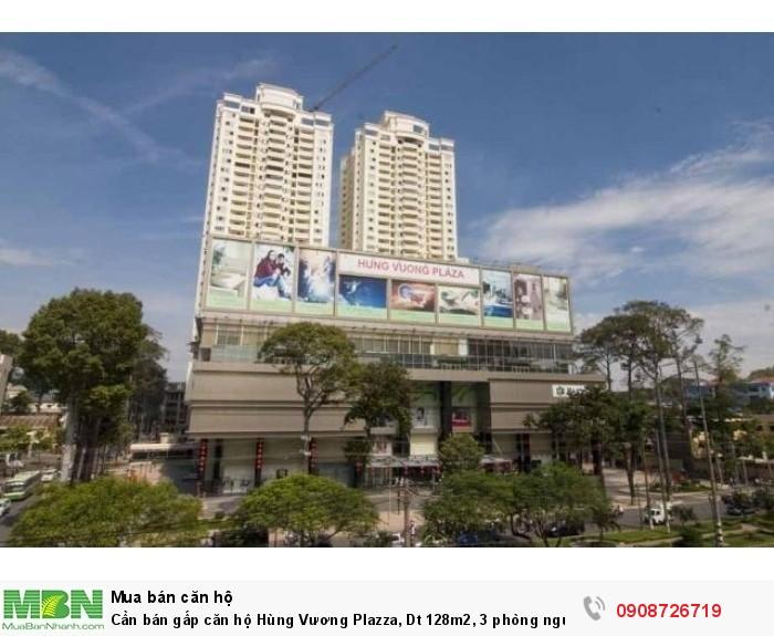 Cần bán gấp căn hộ Hùng Vương Plazza, Dt 128m2, 3 phòng ngủ, nhà rộng thoáng mát, tặng nội thất , sổ hồng
