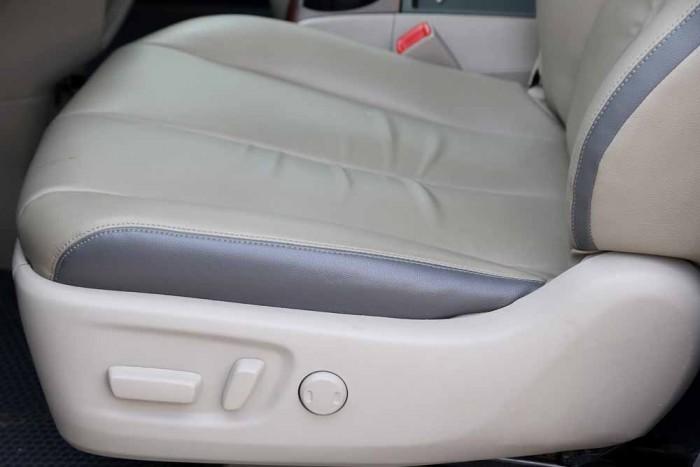 Toyota Sienna LE 3.5L 2010 27