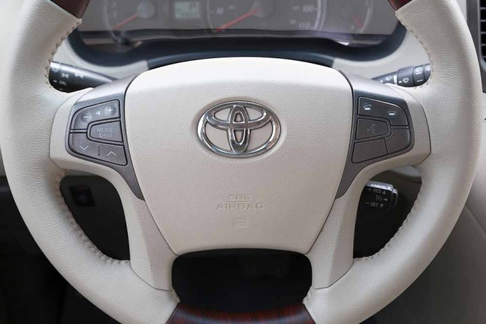 Toyota Sienna LE 3.5L 2010 8