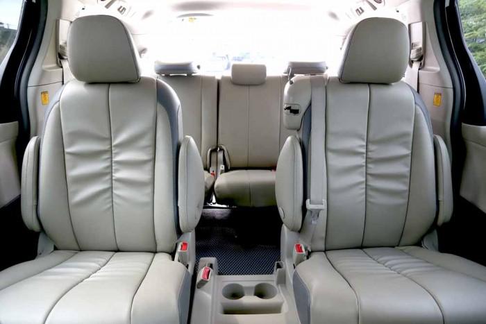 Toyota Sienna LE 3.5L 2010 9