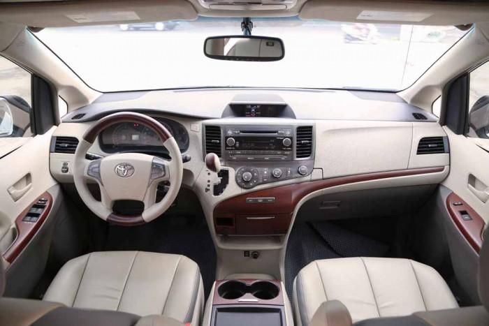 Toyota Sienna LE 3.5L 2010 12