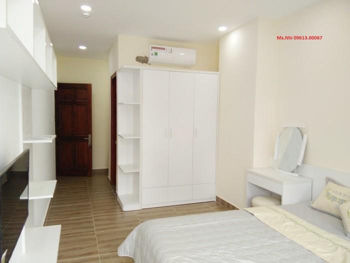 Cho thuê phòng trọ quận 7 có ban công thoáng mát, toilet riêng trong phòng.