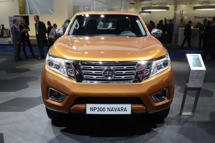 Xe ô tô Nissan Navara NP300 EL