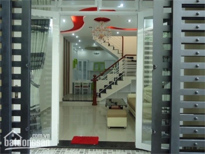 Nhà 4 lầu Nguyễn Cư Trinh, Quận 1, 33m2, xe hơi đỗ cửa, 4.55 tỷ chính chủ