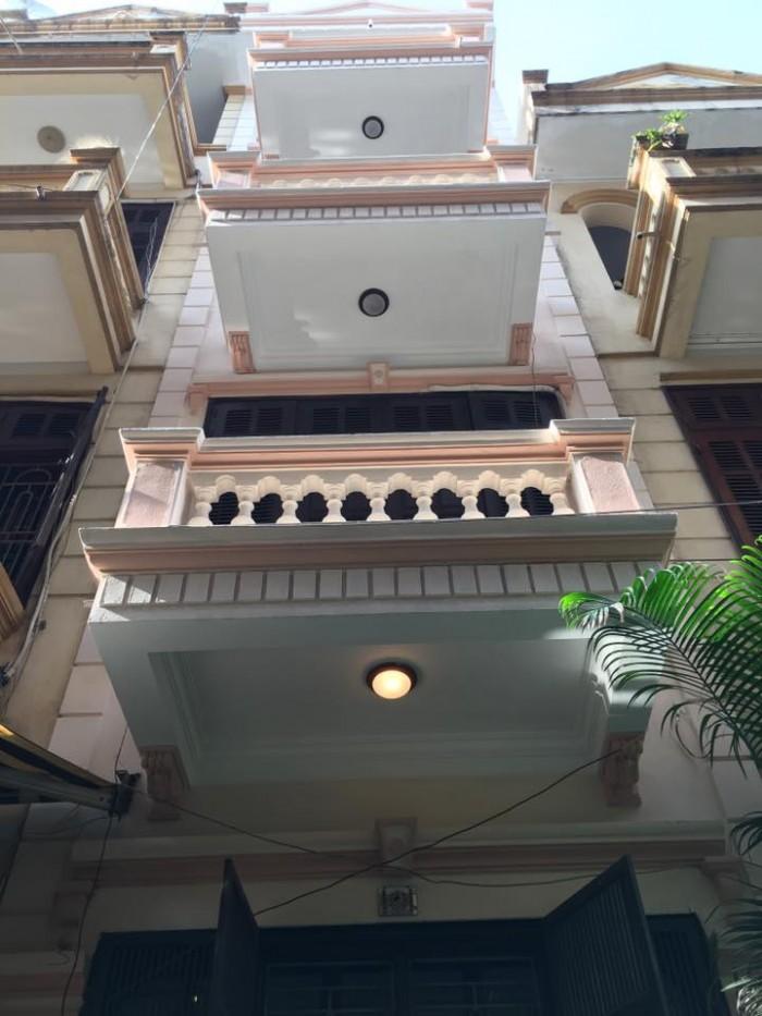 Nhà 5 lầu nguyễn trãi Q1, 30m2, xe hơi đỗ cửa, chính chủ sổ hồng riêng